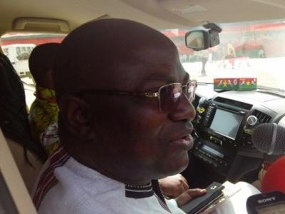Visite de chantiers routiers à l'Est : Bulldozer qui veut carburer à l'essence