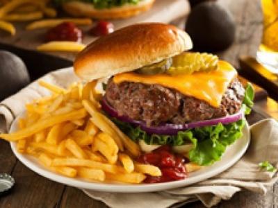 Fast-foods et conserves : Attention à votre santé